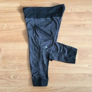 Lululemon cut the crop leggings side pockets 4-6